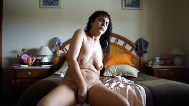 XXX nessuna registrazione  Sedurre e succhiare cazzi uomo. sesso erotico video gratis