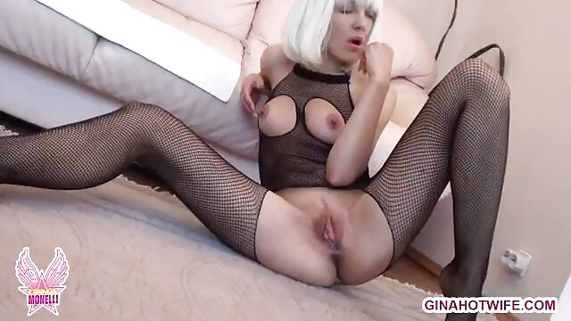 XXX nessuna registrazione  Il massaggiatore sollevò video erotici anni 90 la ragazza per il sesso.