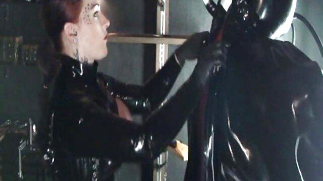 XXX nessuna registrazione  Le video erotici completi ragazze russe sono aperte in natura.