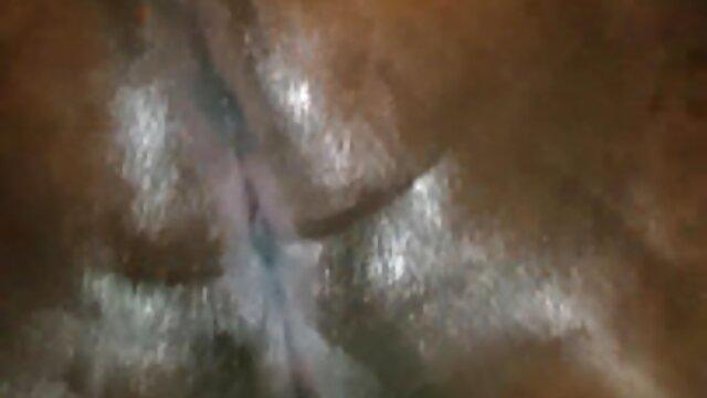 XXX nessuna registrazione  La ragazza ottiene una fionda migliori video erotici dopo il cazzo.