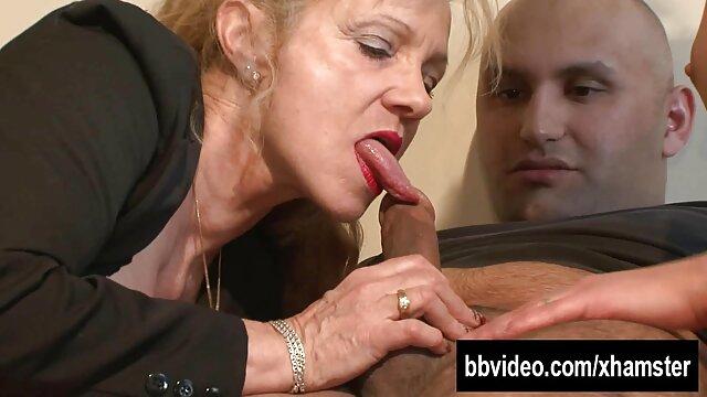 XXX nessuna registrazione  Il giornalista ha film erotici integrali strofinato i froci in televisione.