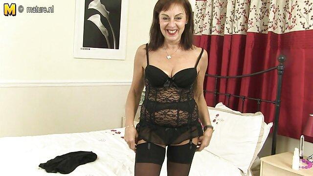 XXX nessuna registrazione  Karma Ryks fa un pompino film erotici casalinghi di qualità.