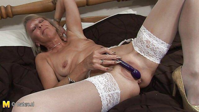 XXX nessuna registrazione  Ebano facendo massaggi filmeroticiitaliani erotici.