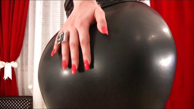XXX nessuna registrazione  Una folla di bianchi massaggi erotici hd che si scopano una donna di colore.