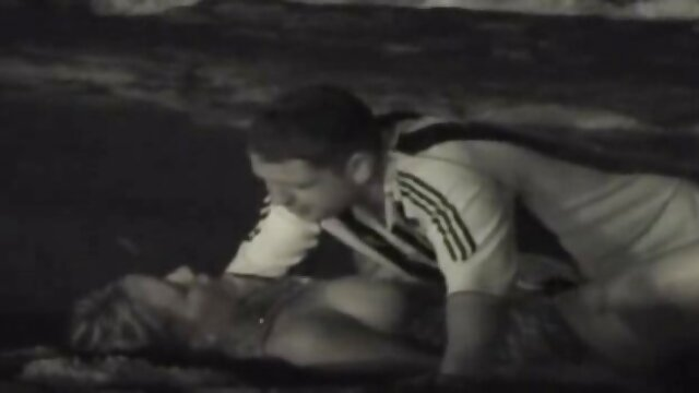 XXX nessuna registrazione  L'insegnante stava insegnando video erotici tradimenti alla gente che inserire un membro nella vagina.