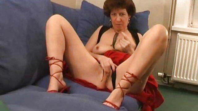 XXX nessuna registrazione  Masturbazione su petali video massaggi erotici cinesi di rosa.