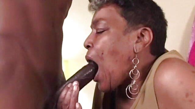 XXX nessuna registrazione  Il bullo che mangia la bruna e la fa leccare film erotici gratuiti il culo.