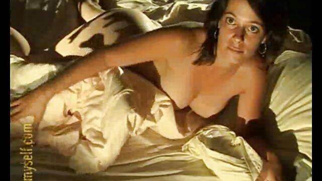 XXX nessuna registrazione  Il calvo ha porno video erotici una coppia semi-attaccata.