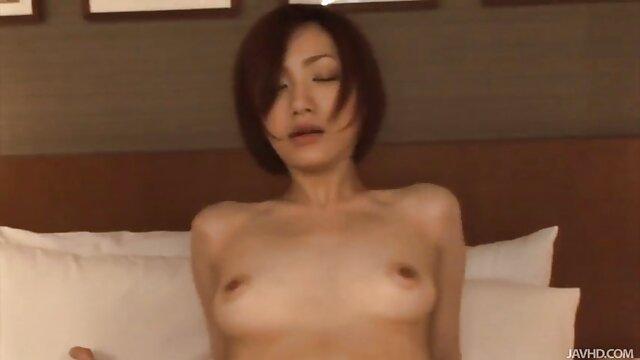 XXX nessuna registrazione  Zoey Foxx ha fatto massaggi porno film un pompino a un cameraman.