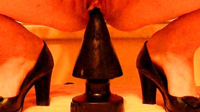 XXX nessuna registrazione  Bruna glamour con una falce gemere la lunghezza di Cooney. film erotici gratis online