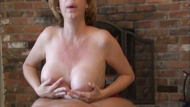 XXX nessuna registrazione  Creano scandalo video erotici romantici e risolvono il problema con il sesso.