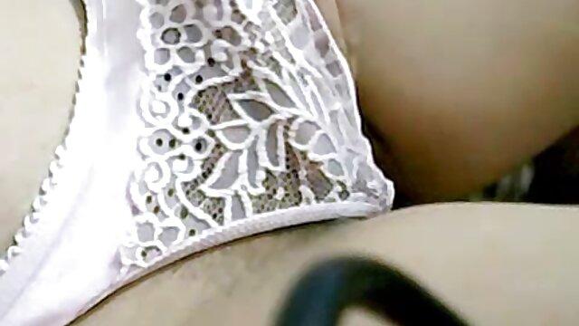 XXX nessuna registrazione  Ragazza con video erotici scambisti strapon.