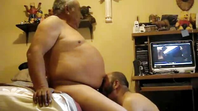 Porno nessuna registrazione  Donne film porno italiani erotici grasse cazzo con due amiche.