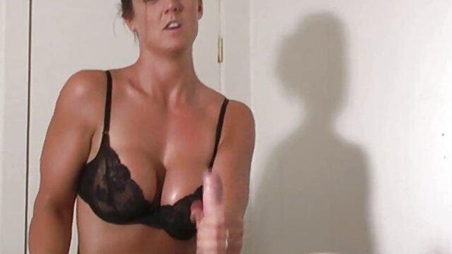 XXX nessuna registrazione  La bruna leccò la xxx centro massaggi vagina ai dipendenti splendidi.
