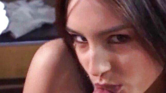 XXX nessuna registrazione  Coppia lesbica si masturba. scopate erotiche