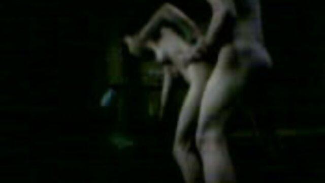 XXX nessuna registrazione  Tre atleti si spogliano e film erotici francesi video leccano.