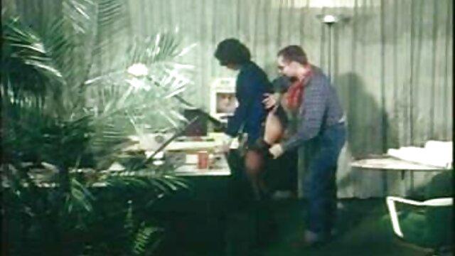 XXX nessuna registrazione  Massaggi film erotici amatoriali donne attraenti.