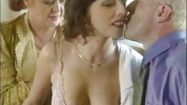 XXX nessuna registrazione  Fa un pompino video erotici streaming prima del sesso.