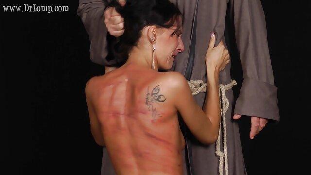 XXX nessuna registrazione  Bruna massaggi erotici italiani cazzo in ufficio con un teaser Calvo.
