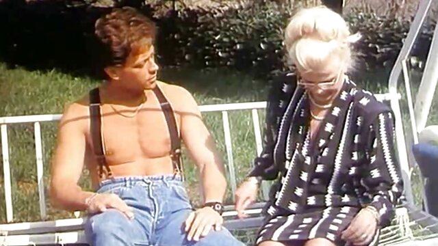 XXX nessuna registrazione  Salva te stesso da annegamento video erotici nonne e cazzo.