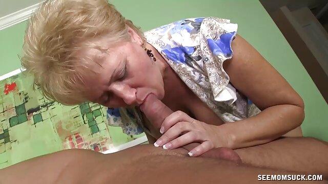 XXX nessuna registrazione  La bruna si arrabbia video mamme erotiche durante il sesso.