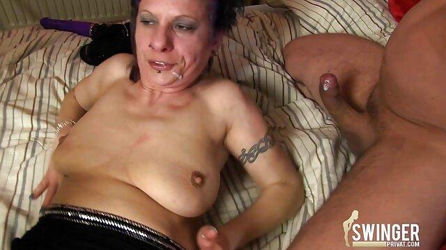 XXX nessuna registrazione  Scrivania in pelle nera dare il capo che video erotici gratis è timido.