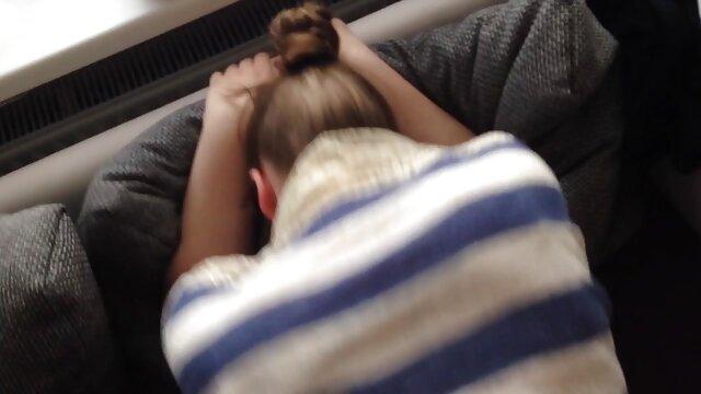 XXX nessuna registrazione  Una coppia cazzo video porno italiani massaggi in bagno.