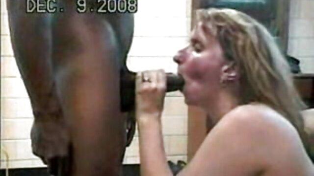 XXX nessuna registrazione  Fritto video erotici celebrità in camera da letto con un sesso gigante.