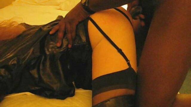 XXX nessuna registrazione  Vieni a pancia film erotico italiano completo in giù durante il casting.