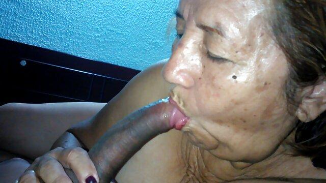 XXX nessuna registrazione  Quella stronza video erotici e sensuali fa venire il cancro al tassista di campagna.