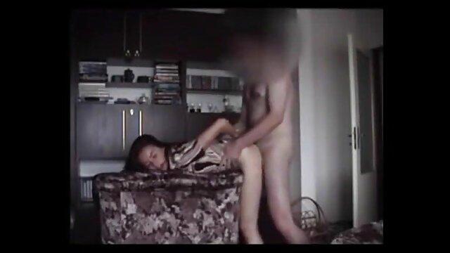 XXX nessuna registrazione  Le massaggi erotici cinesi video donne bianche pasticciano con un ragazzo nero in vacanza.