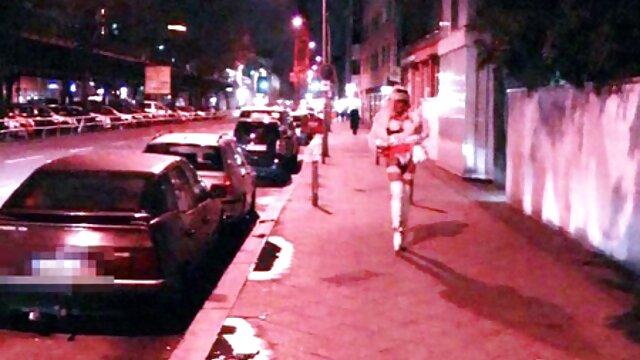 XXX nessuna registrazione  La film erotici senza censura bionda tradisce il marito con il popolo britannico.