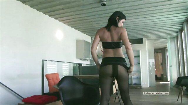 XXX nessuna registrazione  Andiamo, film erotici completi gratis Chloe Amour.