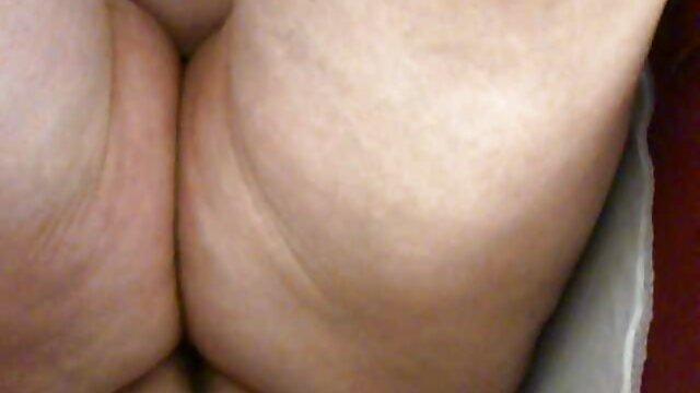 XXX nessuna registrazione  Bella bionda matura con film erotico italiano completo grandi tette.