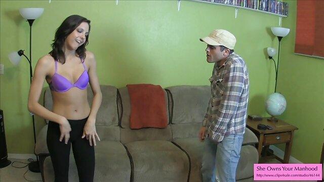 XXX nessuna registrazione  Insegna alla figliastra a video italiani erotici tenere il cazzo.