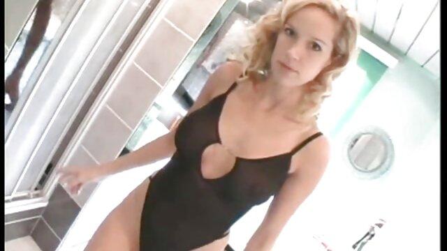 XXX nessuna registrazione  Curly ti mostra la sua vagina. film sexi amatoriali